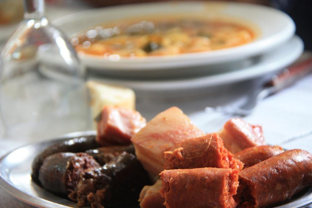 Compango y pote asturiano